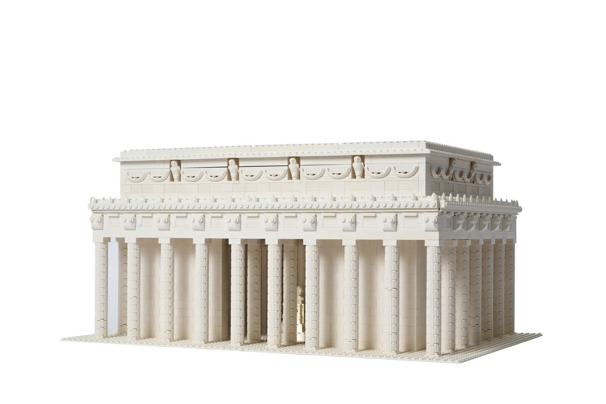 Lincolm Memorial made in LEGO® by artist Warren Elsmore