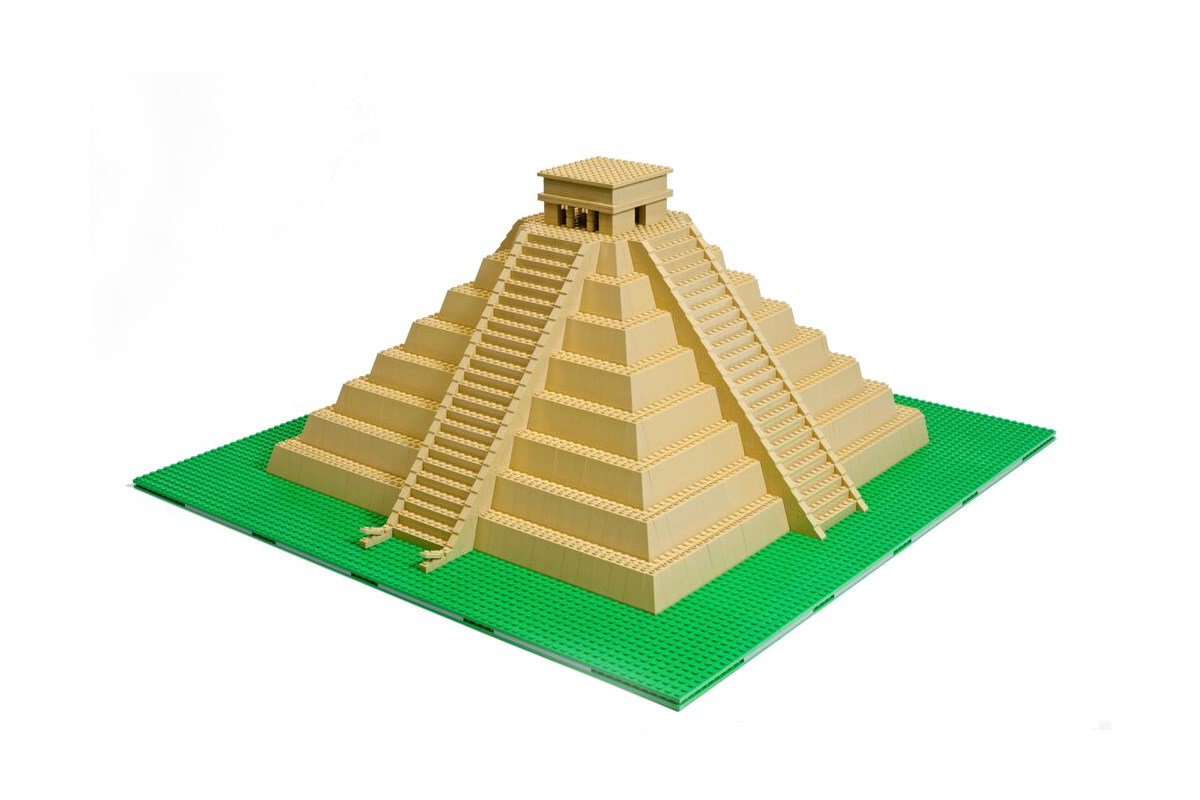 Pyramid made in LEGO® by artist Warren Elsmore