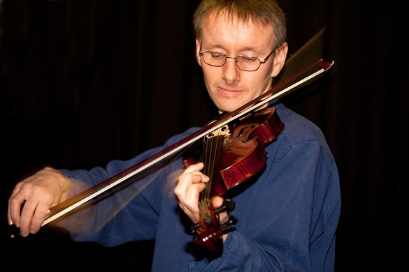 Maker Ewen Thomson playing the Shetland fiddle. Image © Billy Fox.