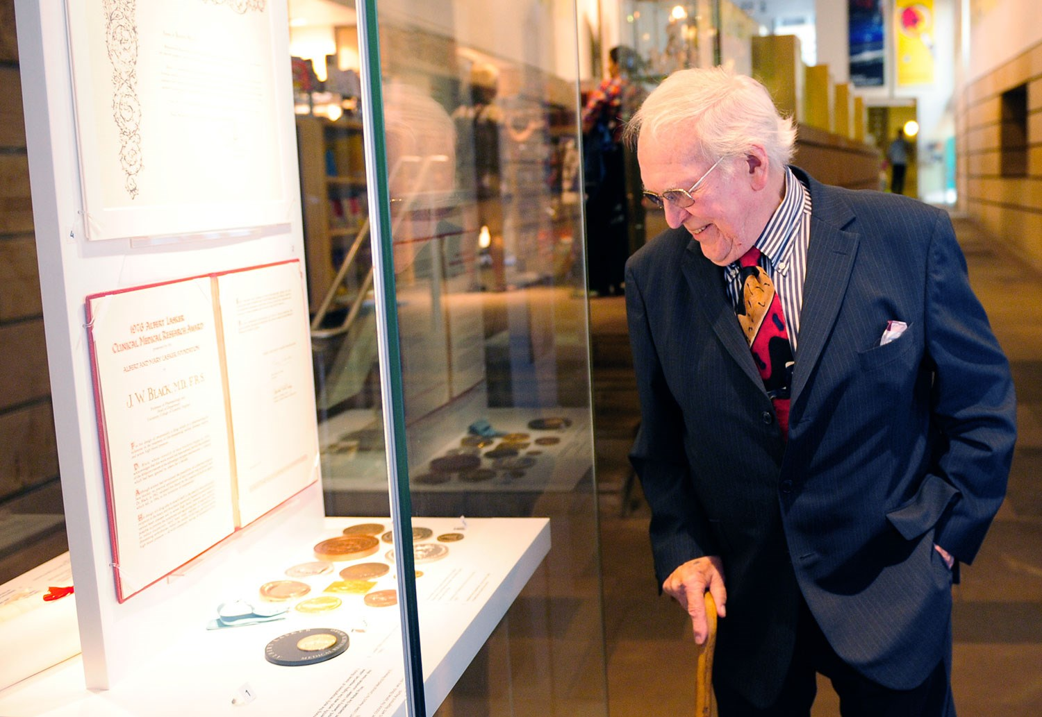Sir James Black at the presentation of his collection to the National Museum of Scotland