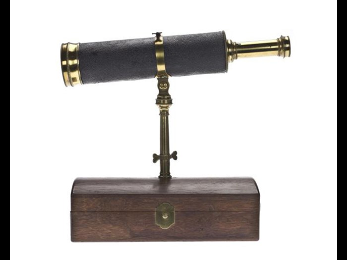 Reflecting telescope by Edward Scarlett, London, c. 1730.