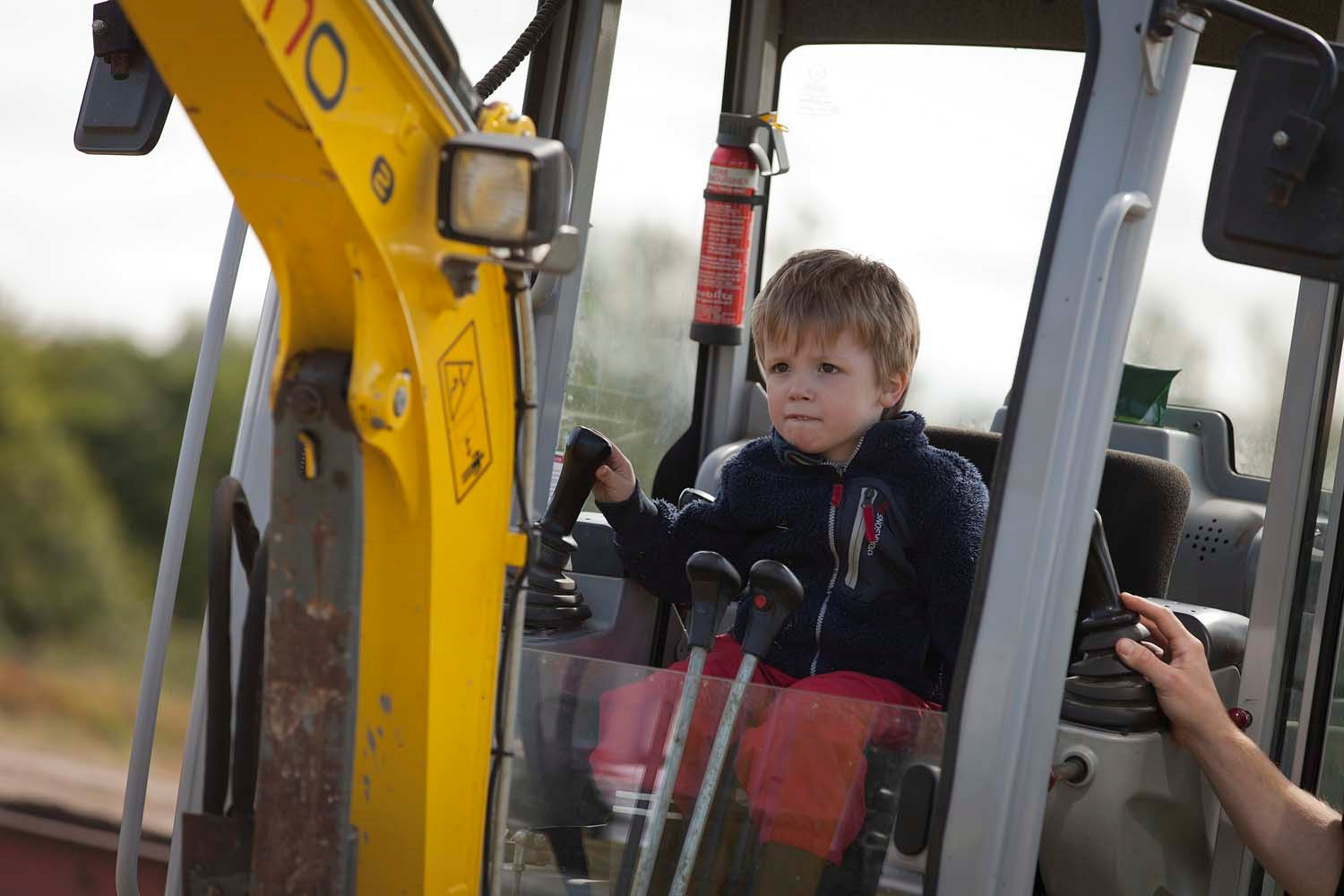 Test your skills on a real digger © Ruth Armstrong.