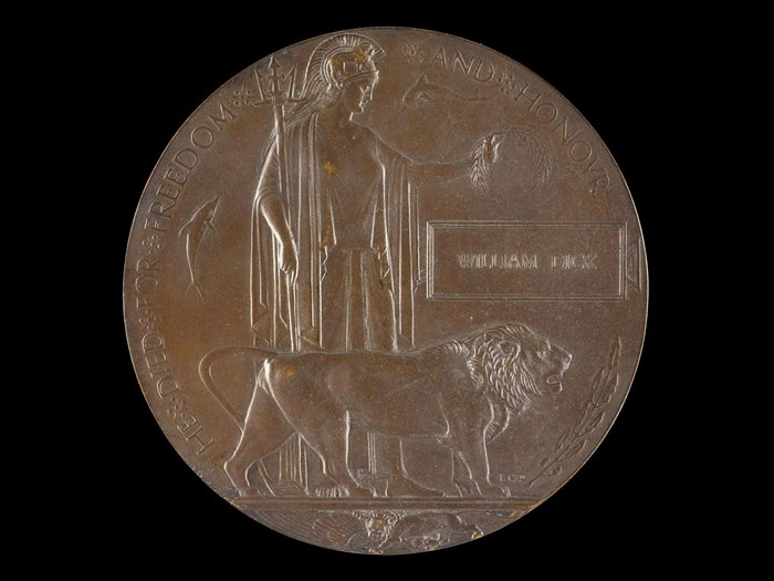 Memorial plaque sent to the wife of William Dick after his death from shrapnel wounds inflicted in trenches near Ypres.