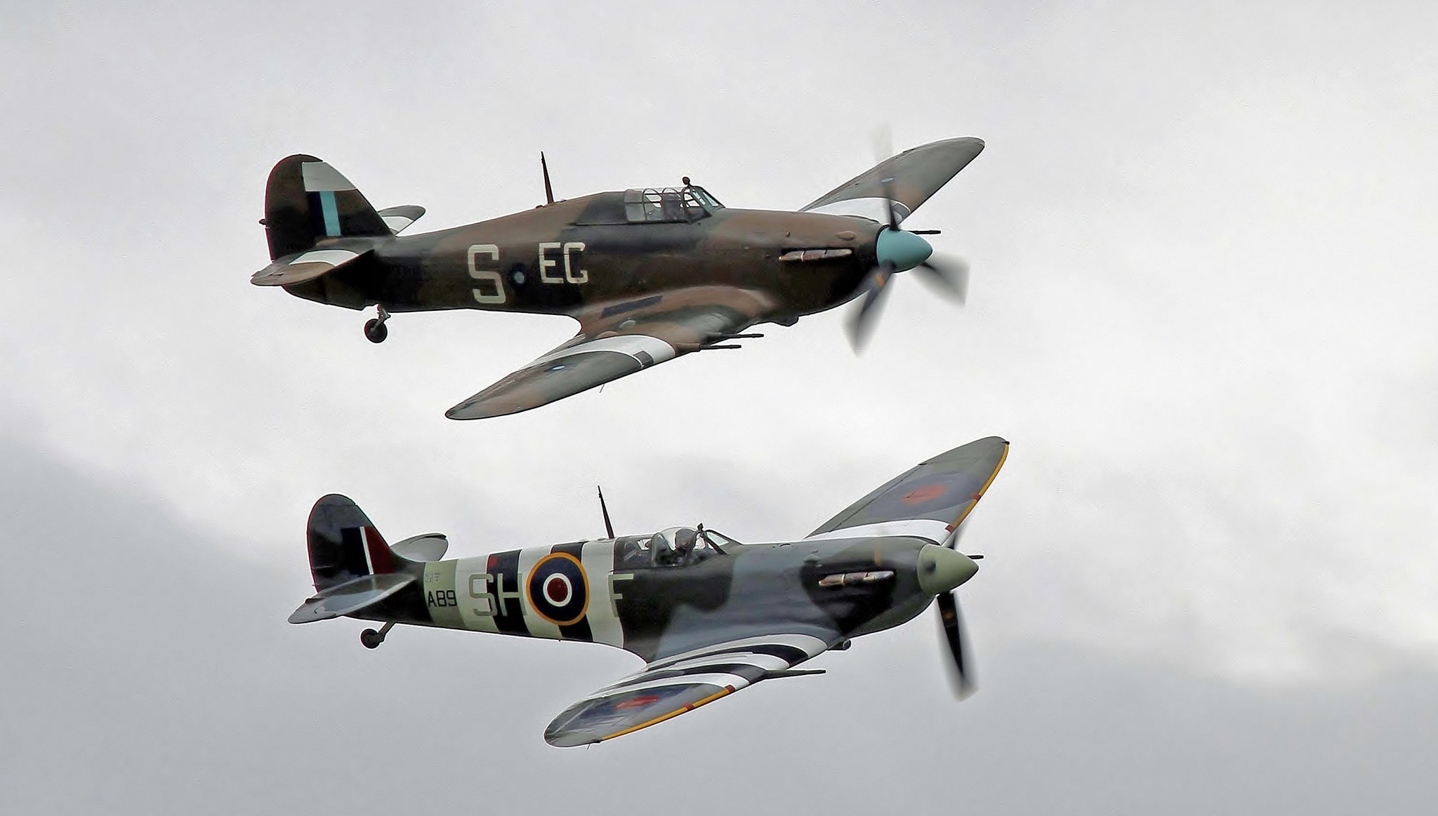 BBMF Hurricane and Spitfire pair at Scotland's National Airshow 2016 © toowoomba surfer on Flickr