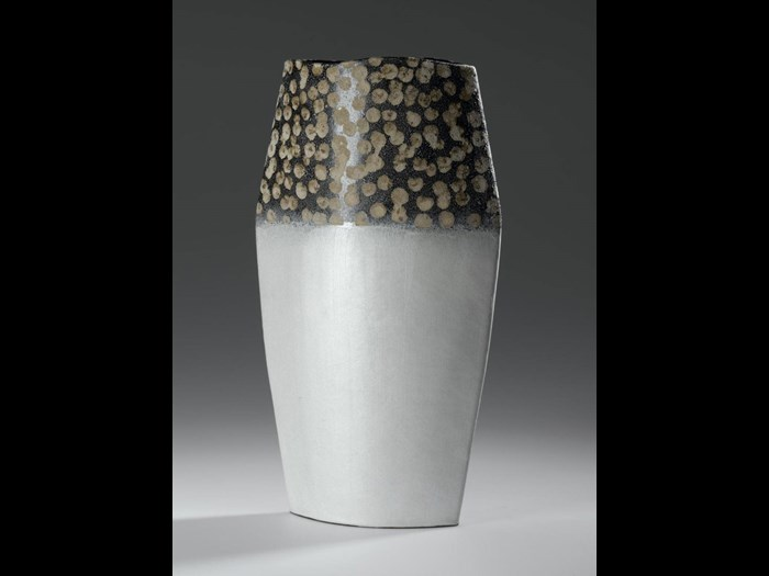 Vase of copper with precious metal clay and mica on exterior, interior lined with enamel: Japan, signed by Iwata Hiroki, 2004. © Hiroki Iwata.
