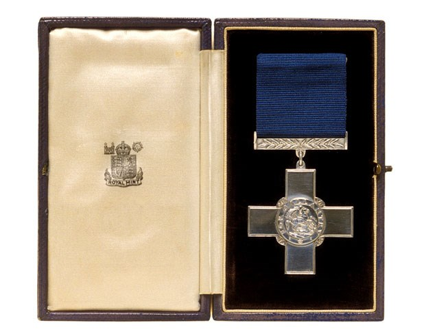 George Cross medal awarded to First Lieutenant Tony Fasson