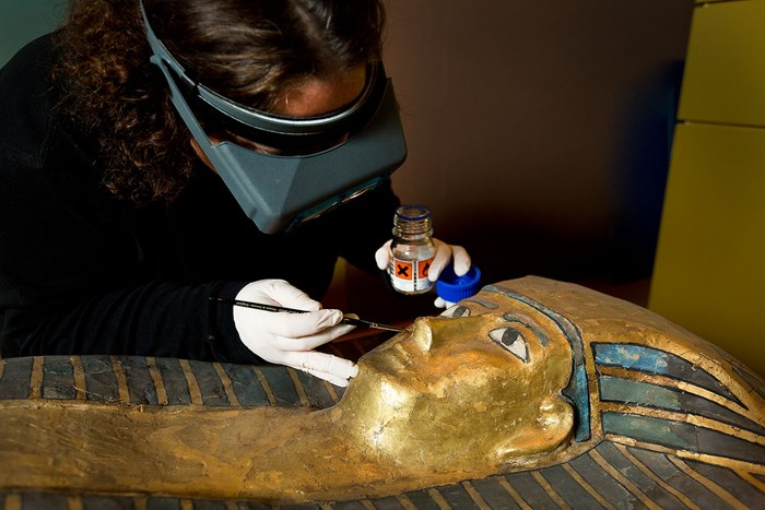 Conserving the mummy coffin of the Qurna queen