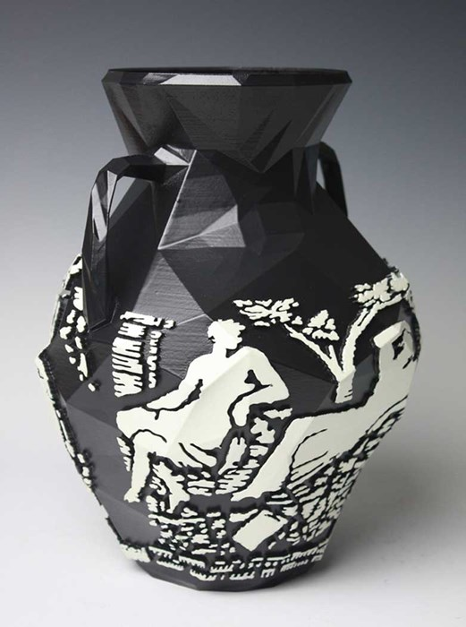 Prtlnd Vase ©Michael Eden  Courtesy of Adrian Sassoon, London.