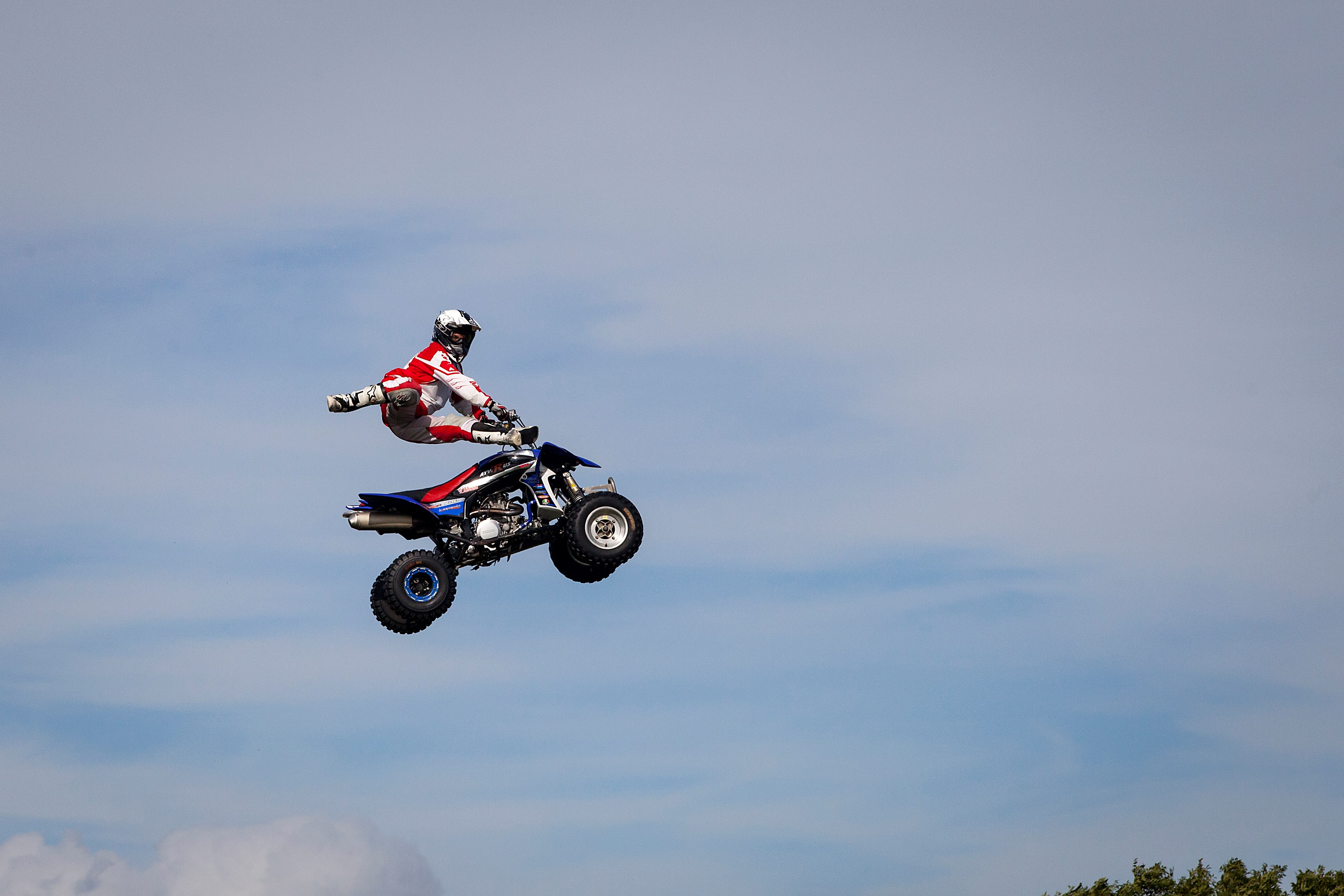 High flying motorbike and quadbike stunts © Ruth Armstrong Photography.