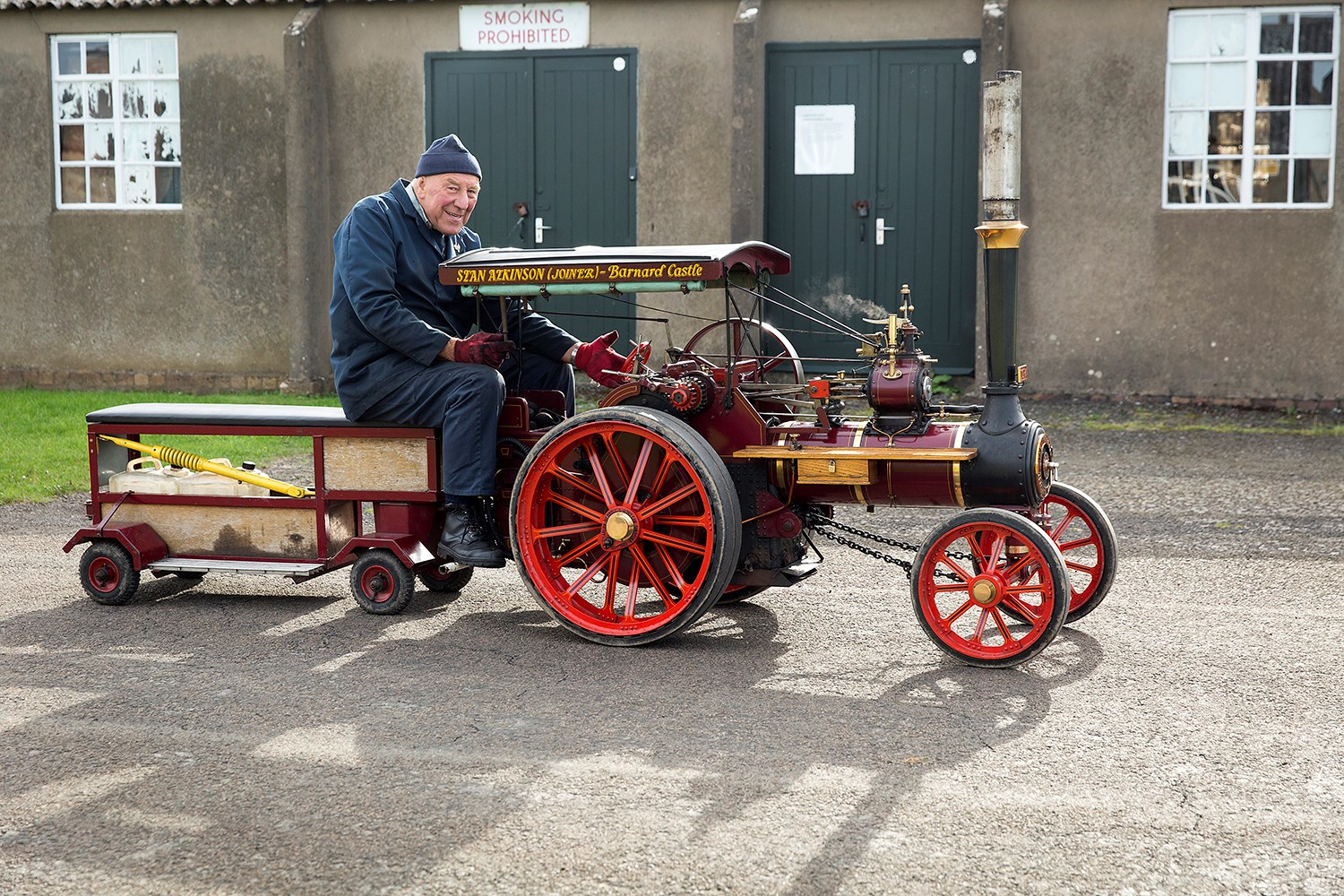 Vintage mini traction engine  © Ruth Armstrong Photography.