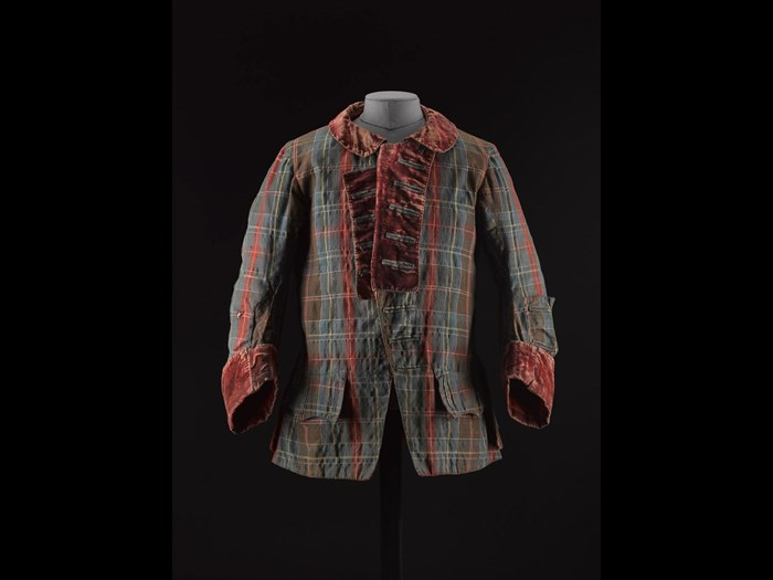 Short tartan frock coat with velvet collar and cuffs and lined in wool twill and linen, associated with Prince Charles Edward Stuart.