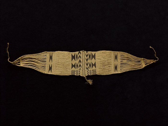 Waistbelt of woven patterned raffia fibre, worn by women: Africa, Central Africa, Democratic Republic of the Congo, early 20th century.