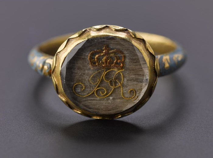 "Finger ring with crowned ""JR"" under crystal, given by James VII on the night he fled from London on 1688 to Sir Peter Halkett. Sir Peter was a member of a royalist family at the time of the Restoration."