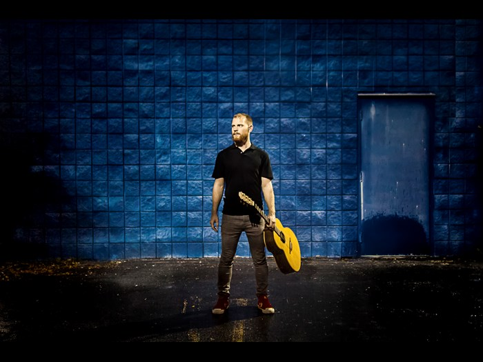 Tue 22 August: Ryan Young and Seán Gray - Fiddle and guitar duo