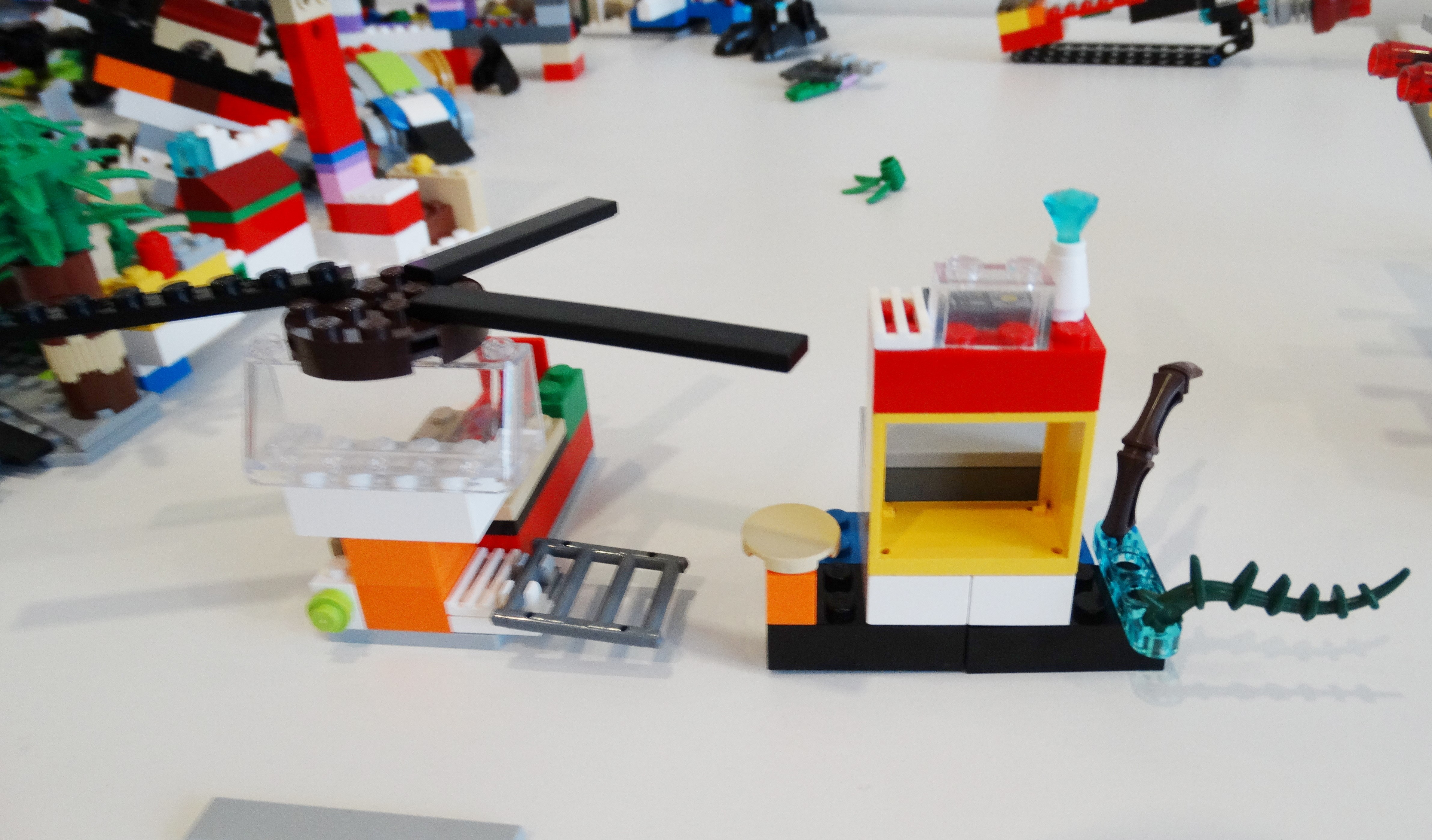 Your LEGO® model could be a plane, helicopter, spaceship, airship or even a bird – as long as it can fly!