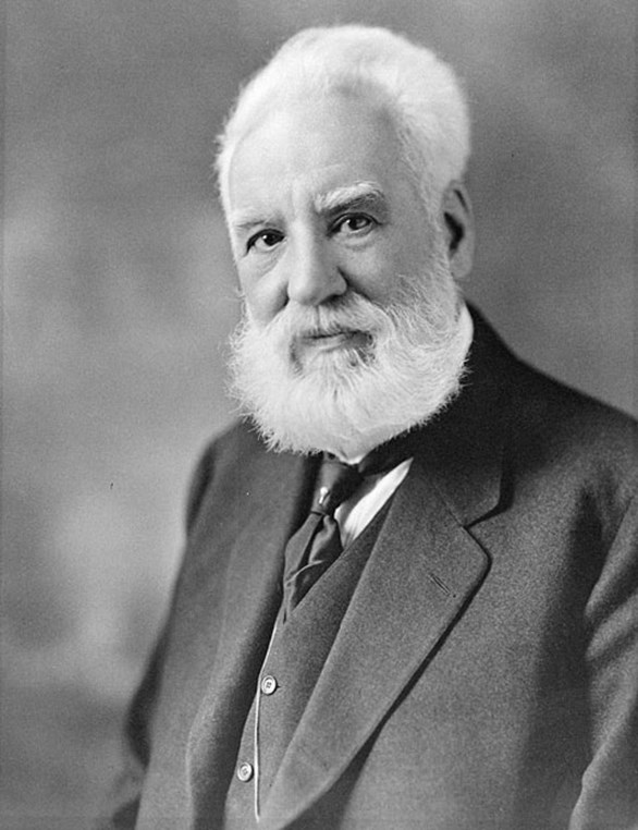 Alexander Graham Bell. Moffett Studio / Library and Archives Canada / C-017335.