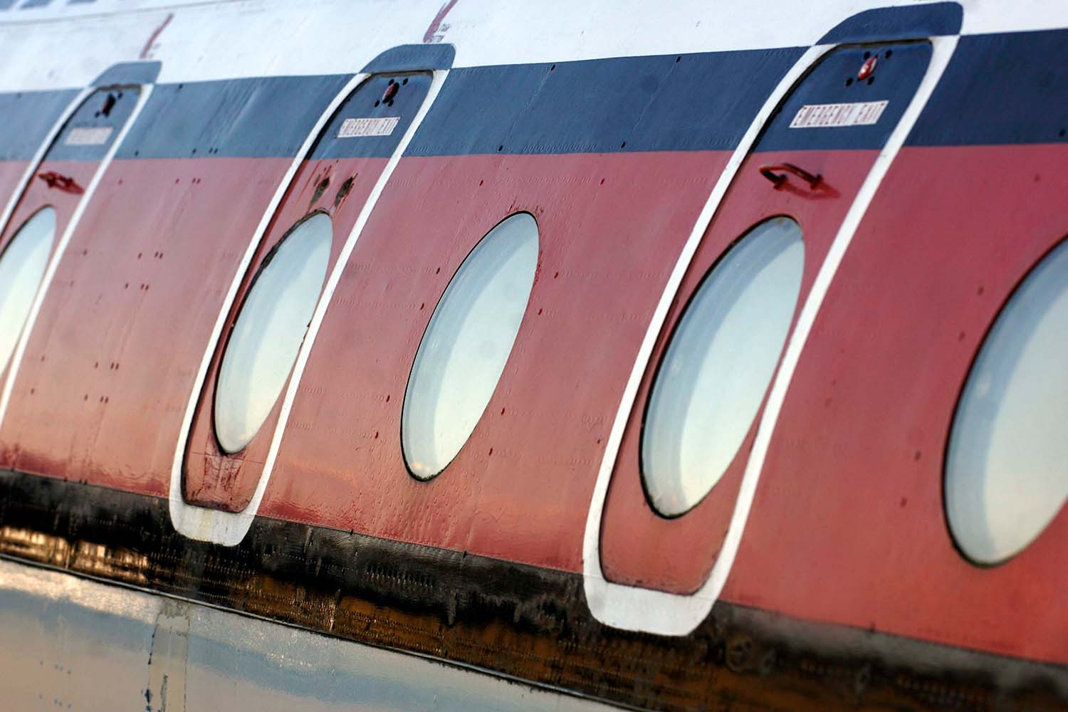 Round windows on the Comet 4C at East Fortune Airfield.