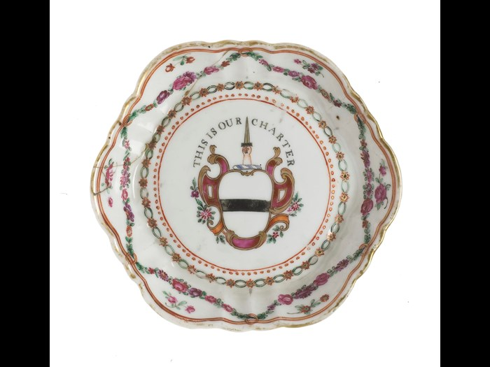 Dish of porcelain, with armorial motto of the Earl of Wemyss. China: Jingdezhen kilns, 1830-45. NMS A.1890.840.
