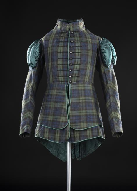 The Royal Company of Archers was the official King's Body Guard during the royal visit. Their uniform, pictured here, was redesigned for the event to appear more romantic, with puffed sleeves, a large neck ruff and eagle feathers fixed to the bonnet brim.