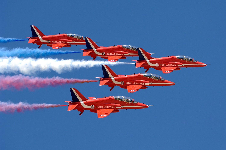 MODEL RED ARROWS JET RAF UK BRITISH AEROSPACE HAWK Red Arrows Display Team Model