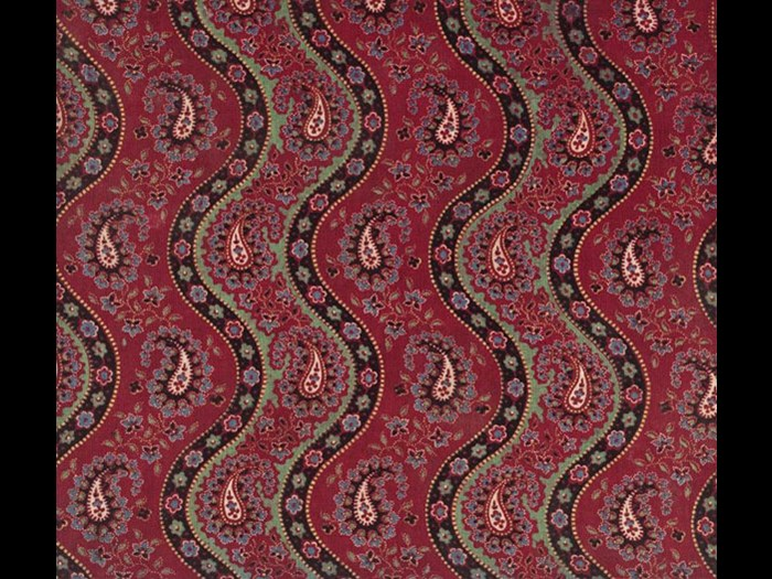 Paisley shapes in wavy lines