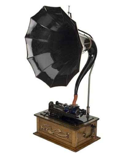Edison Triumph phonograph, two speed, with 10 part horn mounted on chassis, with recorder No. 152650 and recorder horn.