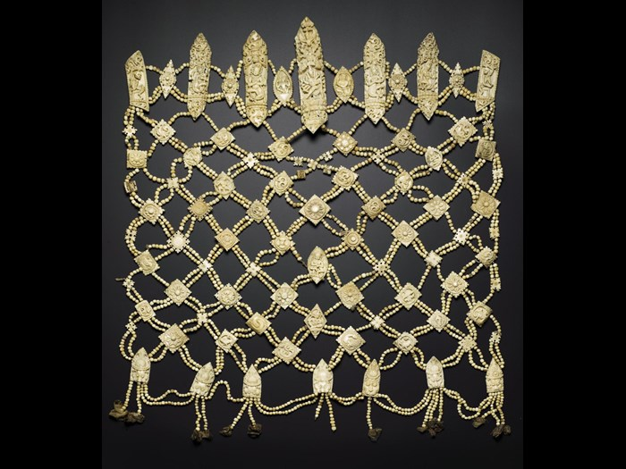 Apron of human bone. 18th-19th century. Acquired by Major William John Ottley. A.1905.352