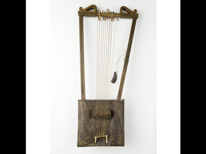 Box lyre or begena of wood and hide, played in the Ethiopian Orthodox Church to accompany psalms and histories. Africa, East Africa, Ethiopia, Addis Alem, c.1900.