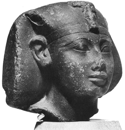 Head thought to represent Amenhotep II