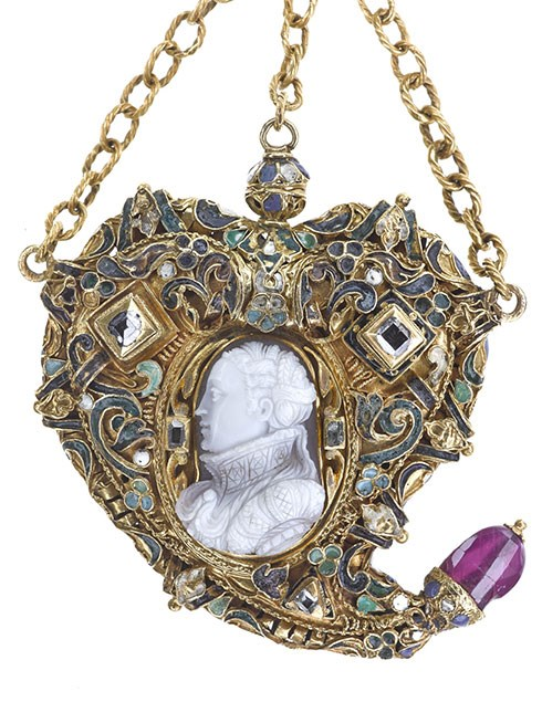 Mary, Queen of Scots pendant
