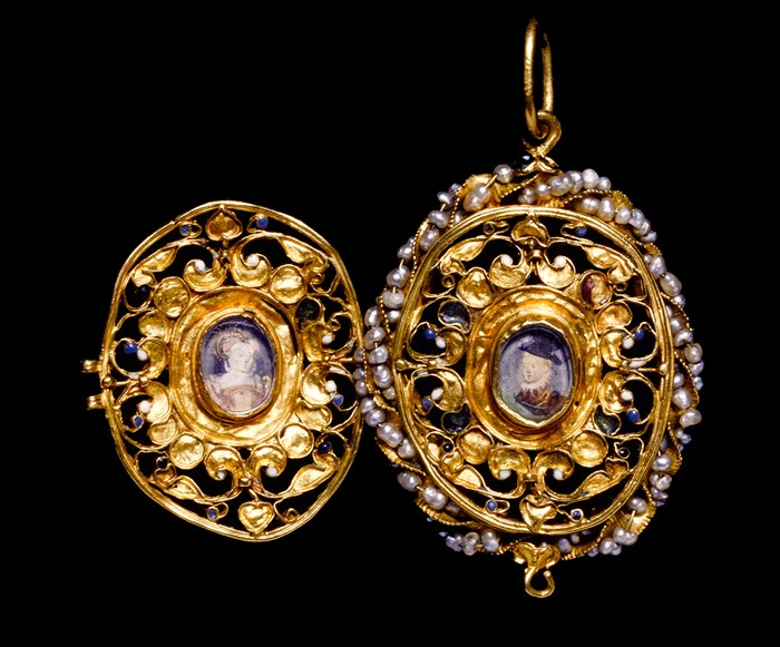 The Penicuik jewels, a gold locket said to show Mary, Queen of Scots and her son James on the reverse