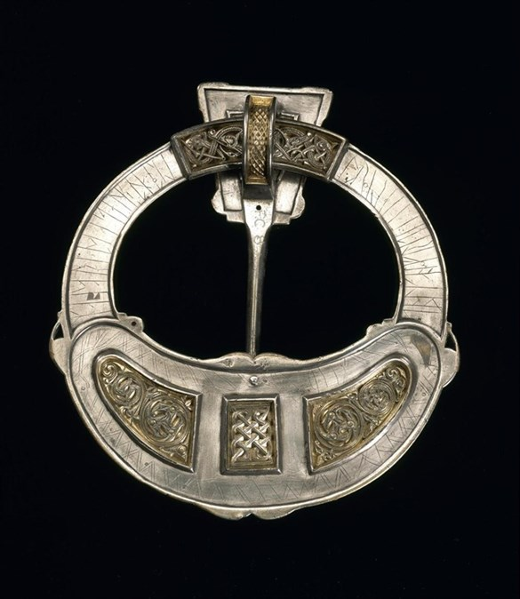 Reverse of the Hunterston brooch